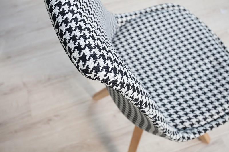 Židle Skandinávie houndstooth z masivního dřeva / 36506