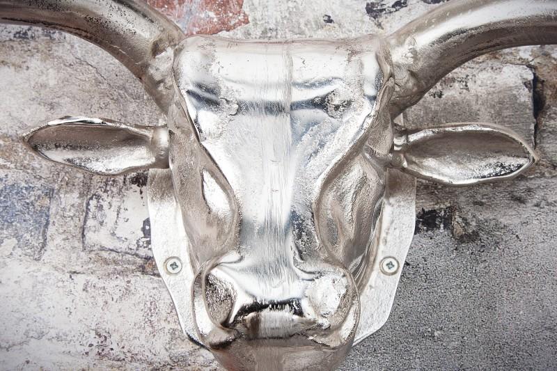 Nástěnná kolečka na býčí hlavu 47cm stříbrná / 38442
