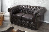 Sofa Chesterfield 2er dark coffee m.Nieten/ 9685