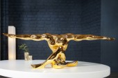 Skulptur Muskel Athlet Bolt 65cm gold/ 36401