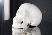Spardose Skull 20cm weiss/ 36363