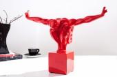 Skulptur Athlete I Muskeln 45cm rot/ 37534